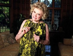 Phyllis Diller. Photo by Dan Callister.